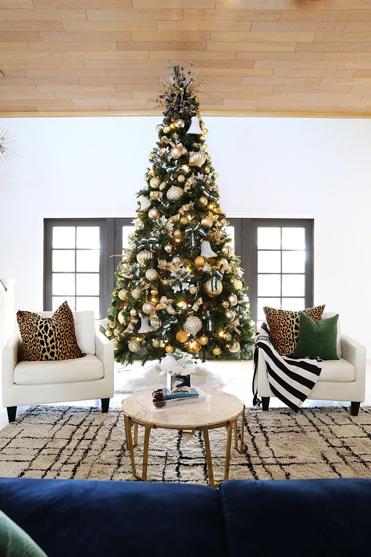 How To Decorate A 12 Ft Christmas Tree With Gold Tones Christmas Decor Diy Christmas Decorations For The Home 12 Ft Christmas Tree