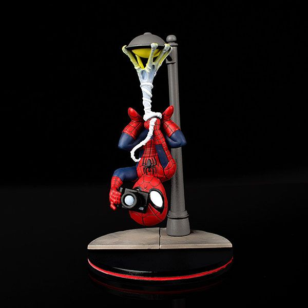 QMX Spider-man Street lamp upside down camera New Vinyl Action Figure Toy Doll