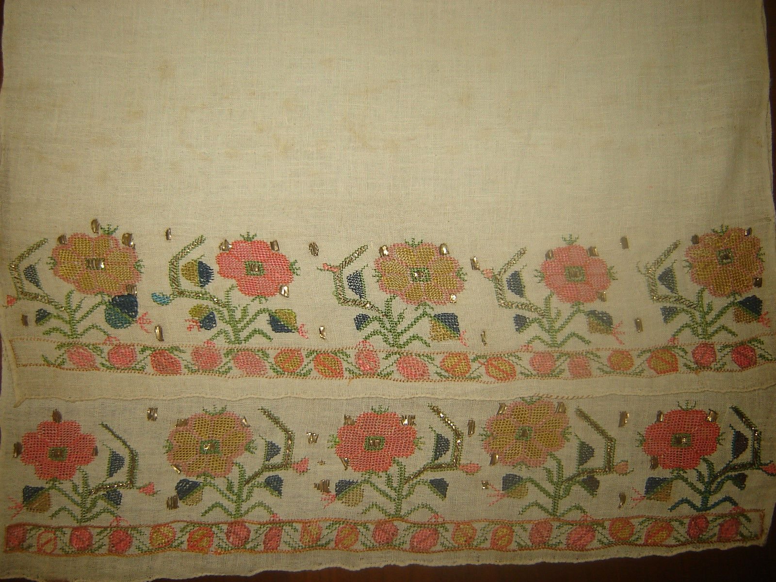 19th C  LARGE ANTIQUE OTTOMAN-TURKISH  HAND EMBROIDERY ON LINEN 'YAGLIK' 12