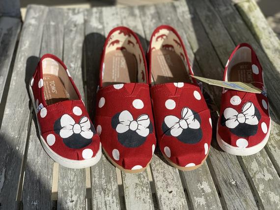 Minion shoes, Hand painted shoes