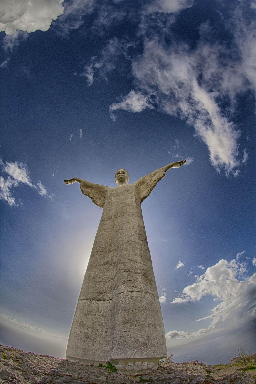 Il Cristo di Maratea sul Monte San Biagio nel viaggio del