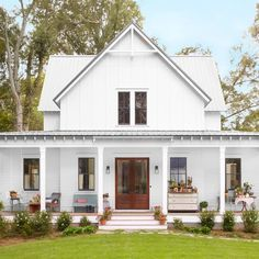 Step inside one of the prettiest country farmhouses we 39 ve for Four gables house plan with garage