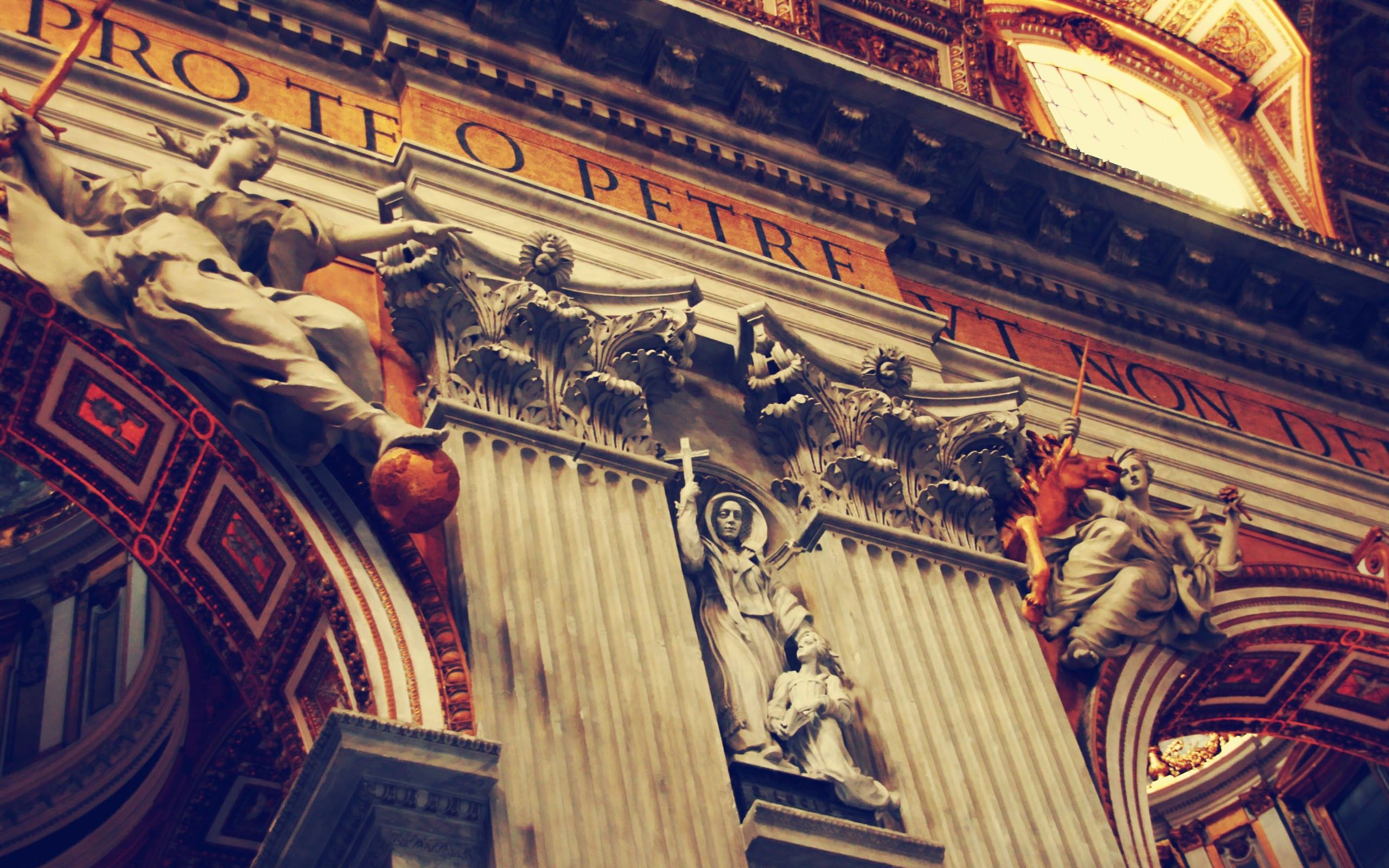 Inside-St.-Peters-Vatican-1600x2560.jpg (2560×1600)