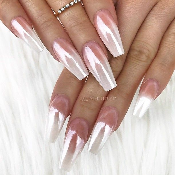 Your daily dose of the hottest NAIL TRENDS and finest NAIL ART by artists from a…