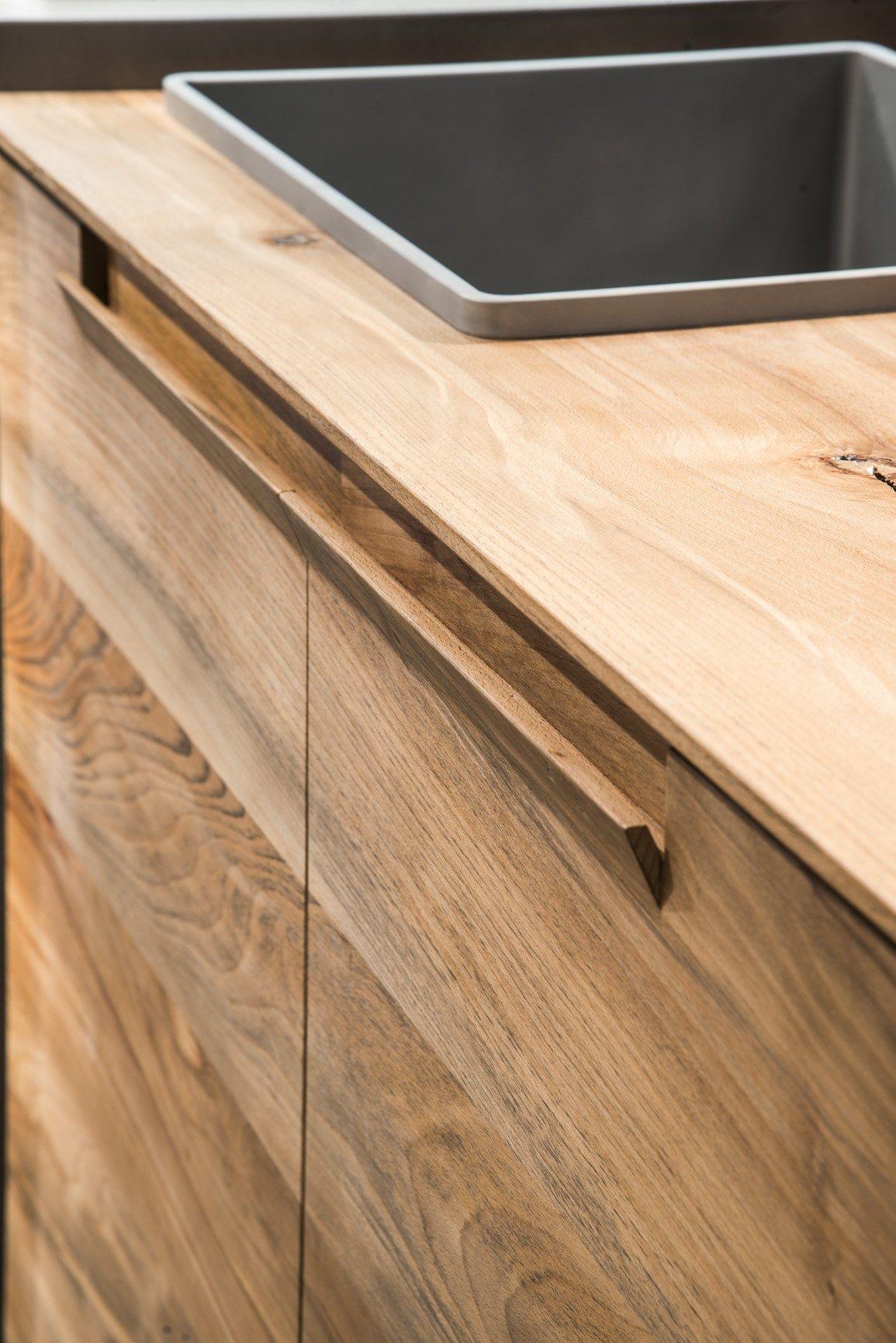 Il legno fossile diventa minimal