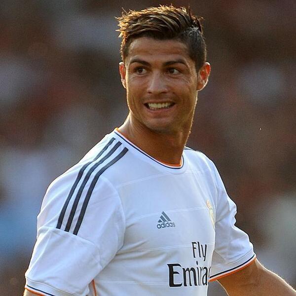 Cristiano , Real,Cordoba pour le Real Madrid grâce à Cristiano Ronaldo !  Dans le même match goal de Benzema