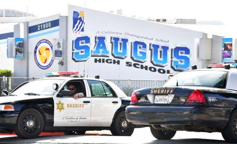 Gunman In Us School Shooting Dies As Police Hunt Motive School Shootings Us School Grappling