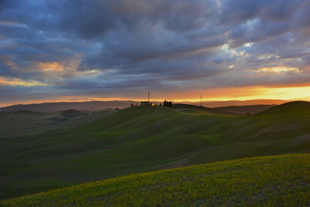 Tramonto nelle crete - Frazione Casanova Pansarine (Asciano). Foto di Antonio Cinotti su http://www.flickr.com/photos/46378751@N02/10290543224