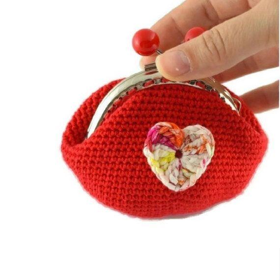 Monedero rojo hecho a mano. Monedero con boquilla. Monedero hecho a crochet. Monedero rojo vintage. Portamonedas estilo boho, color rojo. by Puntoapuntobebeymas on Etsy