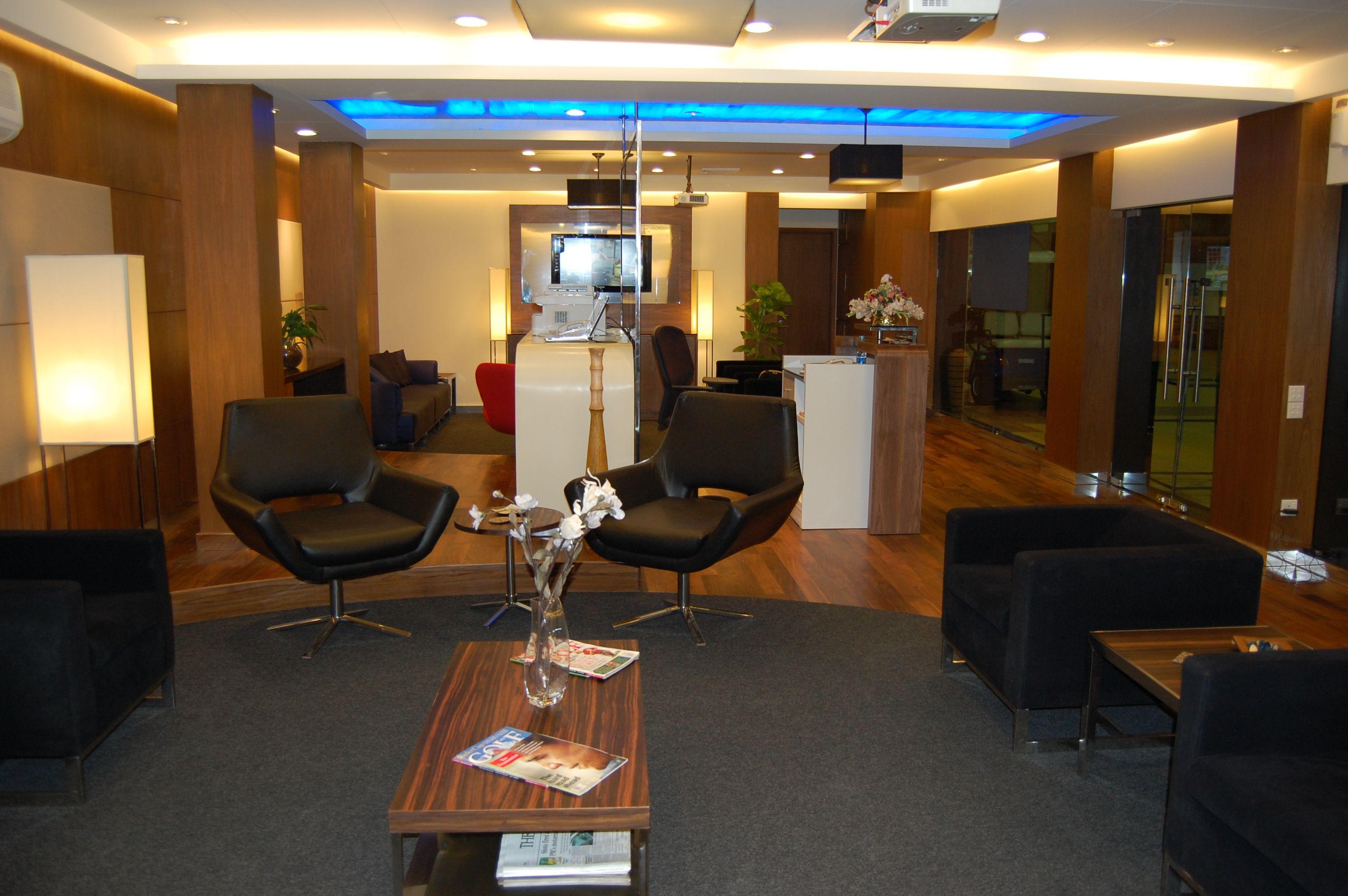 Oh - Pakistan....Premier Airport Lounge at Pakistan Karachi ...