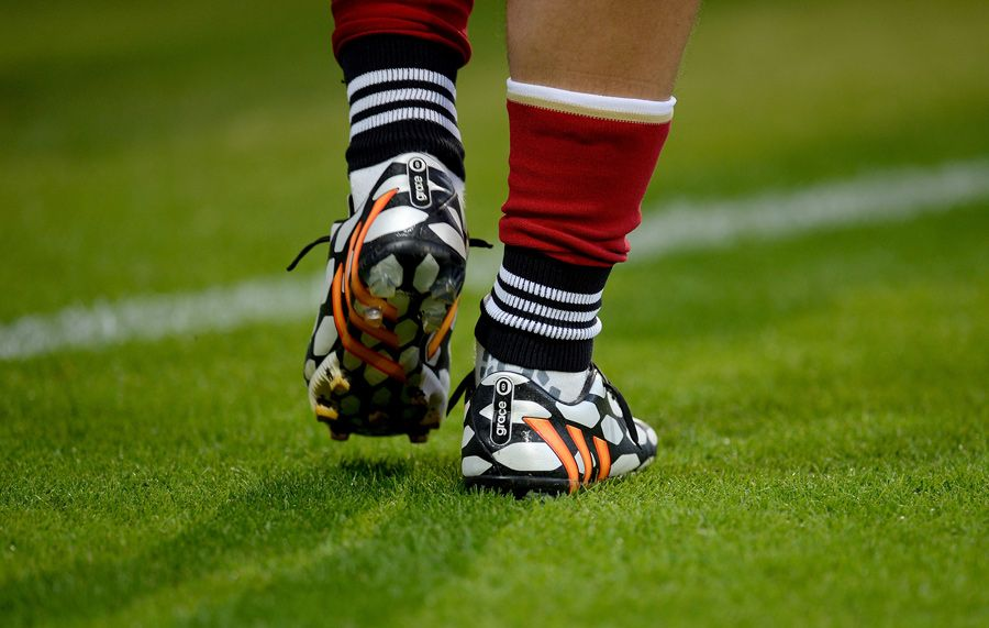 Mesut Ozil's adidas Predator Instinct Boots