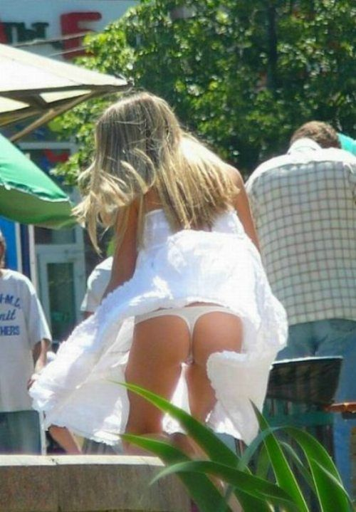 Asian wind blown upskirts pics — photo 4