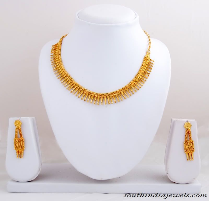Traditional 22K gold necklace set with earrings South india