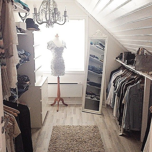 Ankleidezimmer dachschräge modern  Ankleidezimmer … | Pinteres…