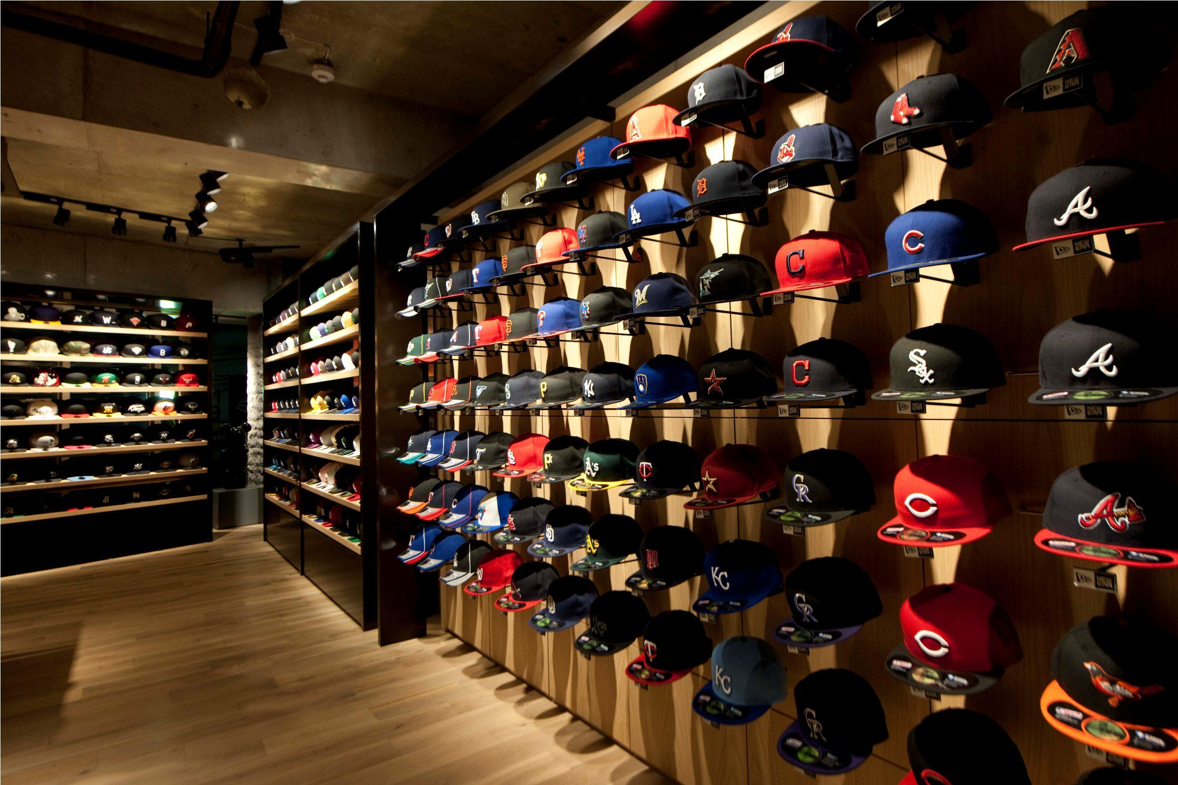 New Era Store Pesquisa Google Furniture Store Design New Era Store Store Design