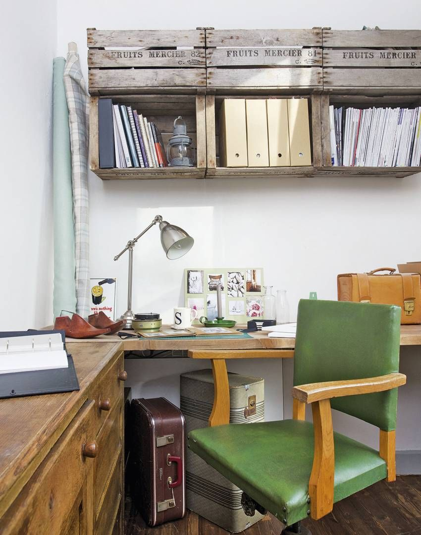 Vintage-style Home Office with Wooden Crate Shelving | Decor ...
