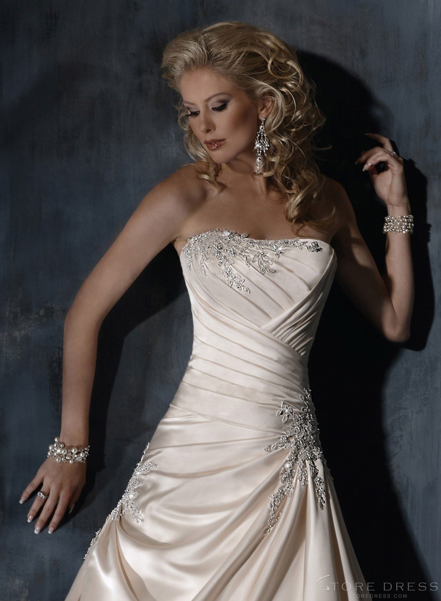 Lovely new arrival style sweetheart wedding dress at storedress