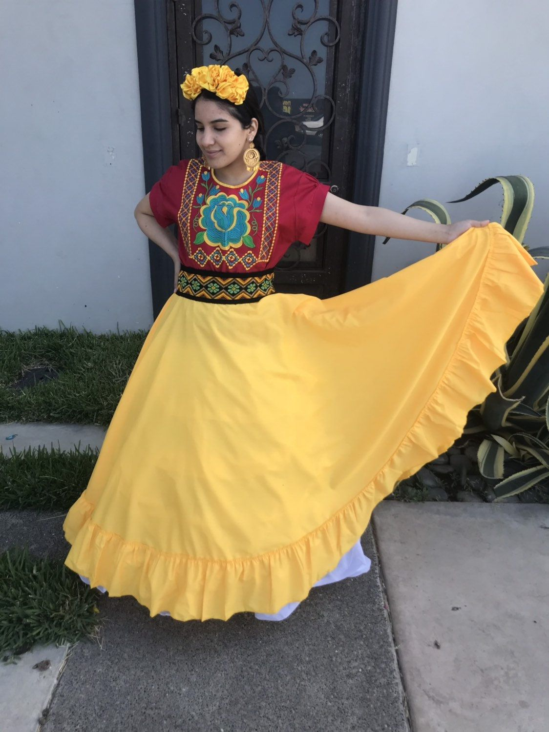 Mexican Yellow Skirt Handmade Beautiful Frida Kahlo Style Etsy In 2021 Frida Kahlo Style Yellow Skirt Mexican Outfit [ 1500 x 1124 Pixel ]