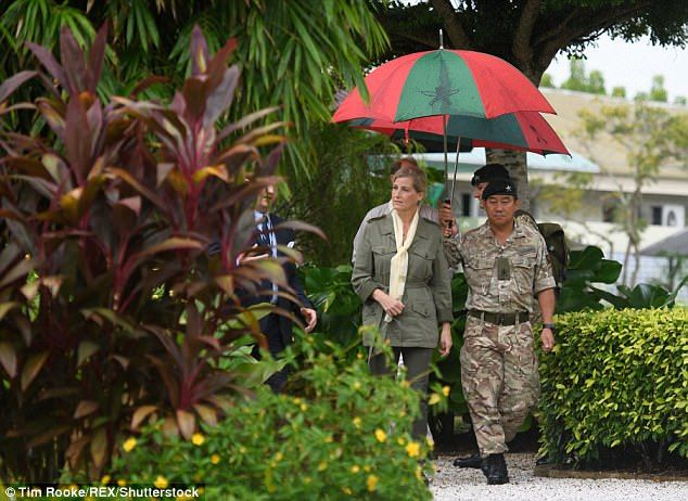 Sophie Wessex dons her camouflage gear in Brunei #largeumbrella