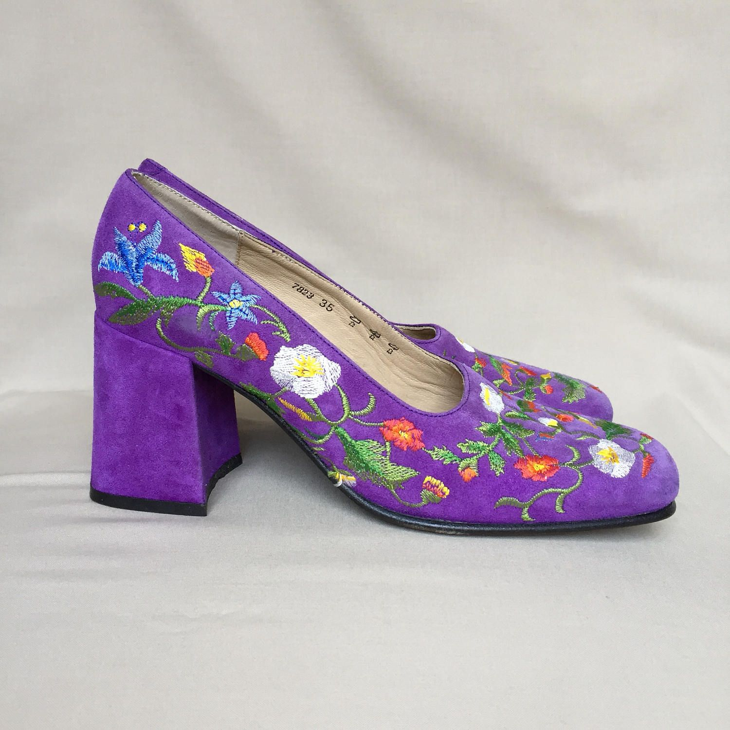 Vintage shoes / Freelance / embroidered shoes / block heel ...