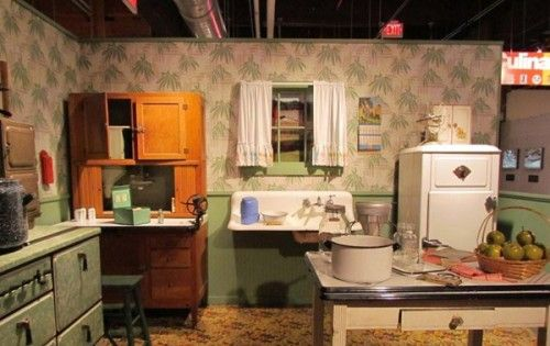 1940u0027s Kitchen To Me Remind Me I Have More Than Enough Space!  Love Part 32