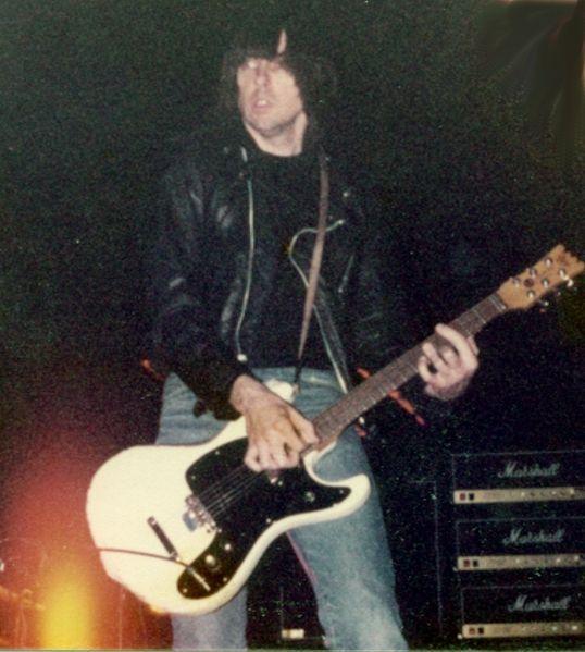 Fichier:Johnny Ramone 1983 c.jpg