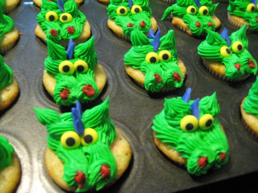 Dragon Cupcakes Cupcakes In 2019 Dragon Cupcakes