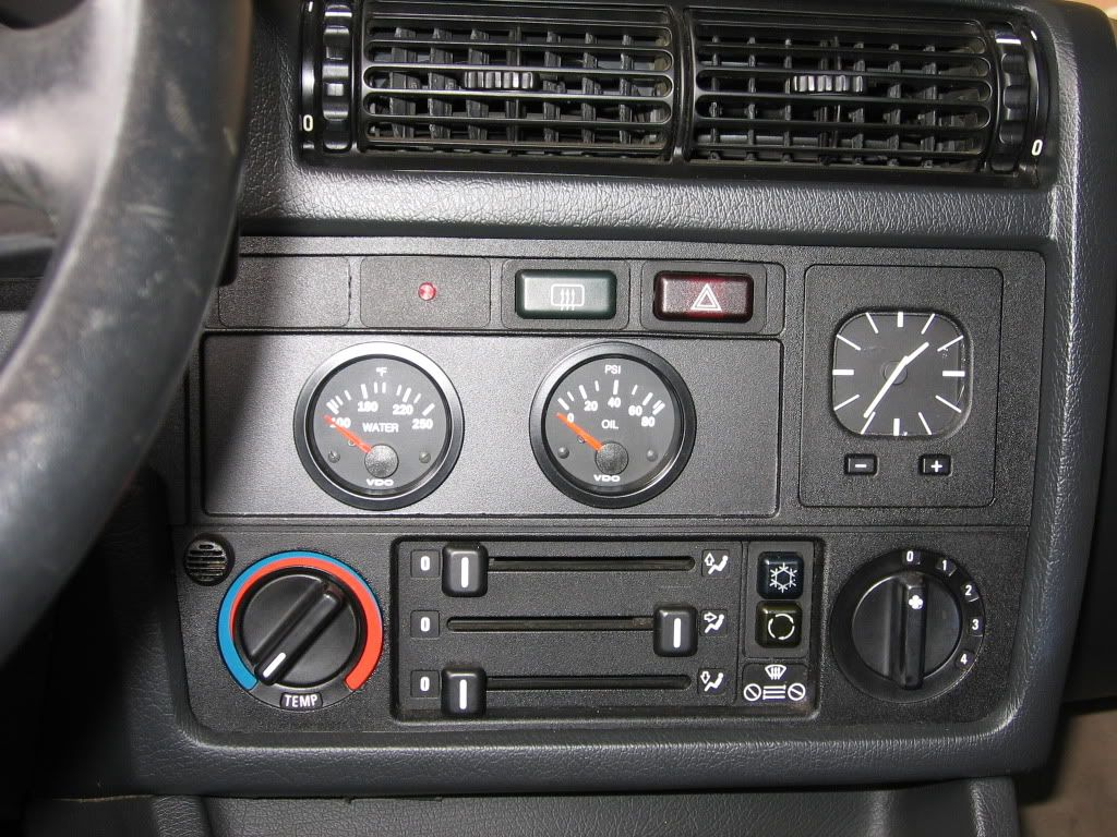 gauges take the place of the stereo bmw e30 bmw e30. Black Bedroom Furniture Sets. Home Design Ideas