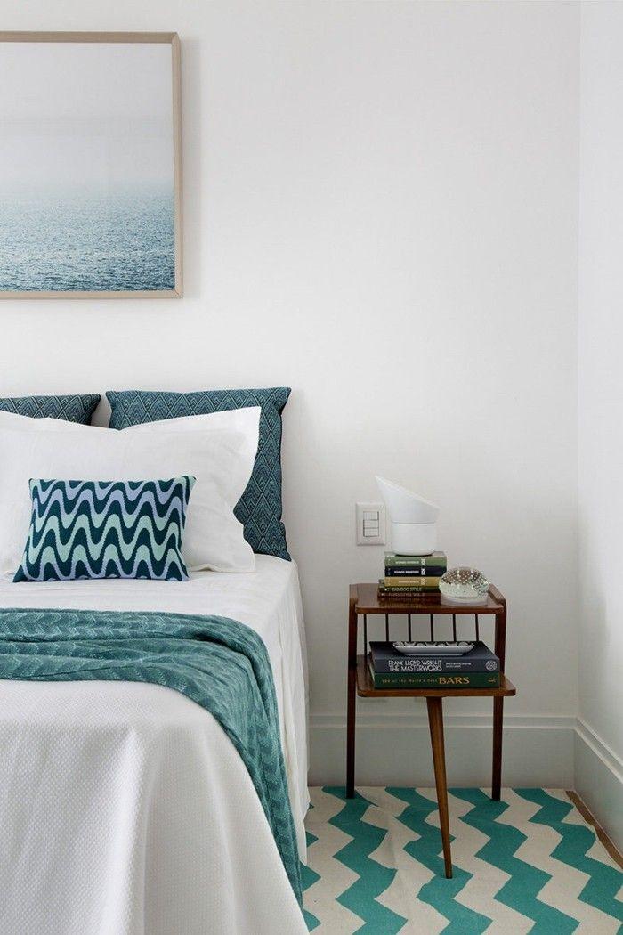 wohnideen schlafzimmer grüne akzente und wunderbare motive - Schlafzimmer Landhausstil Weiß
