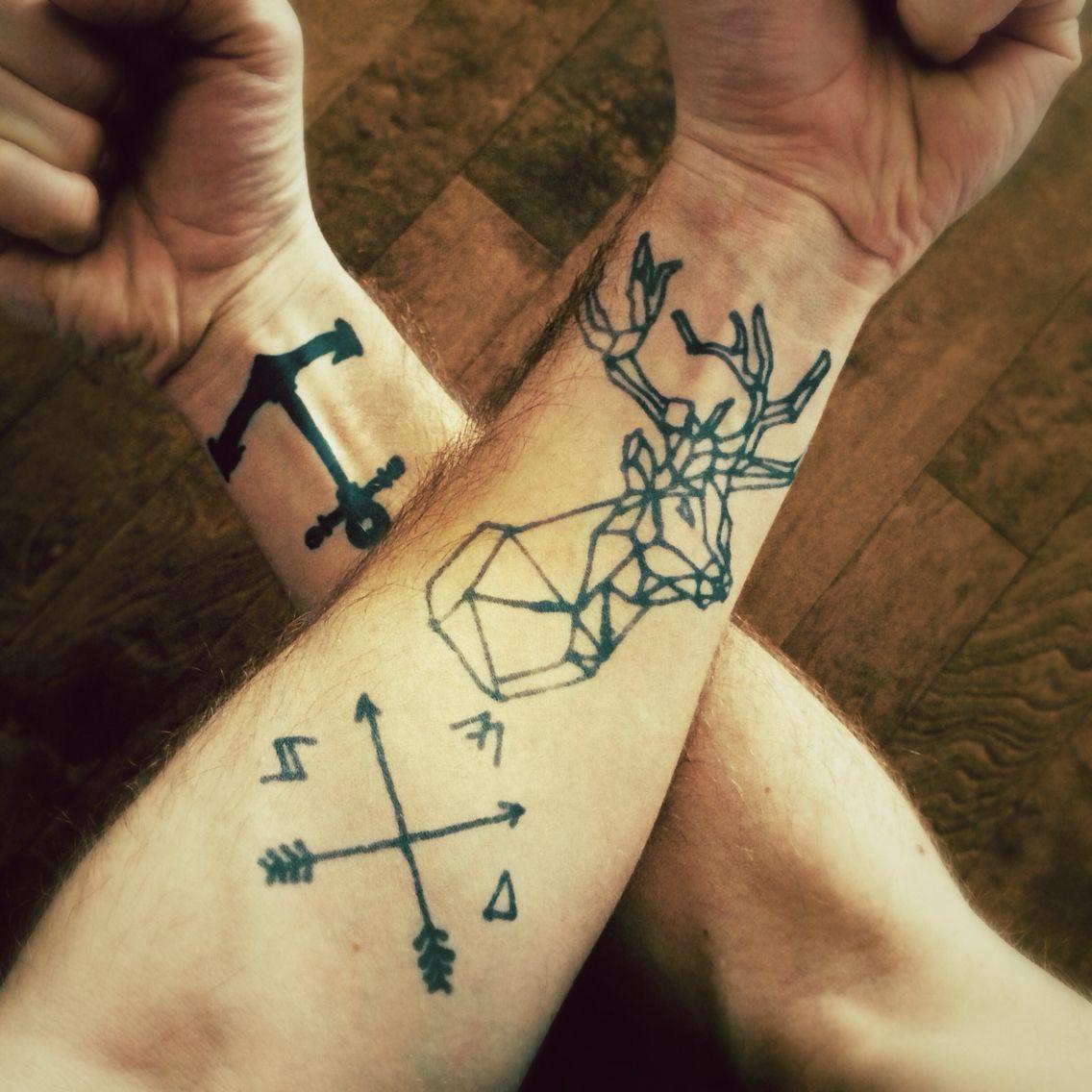 Tatouage avant bras cerf ancre tatoo pinterest tatouage avant bras avant bras et cerf - Tatouage avant bras douleur ...