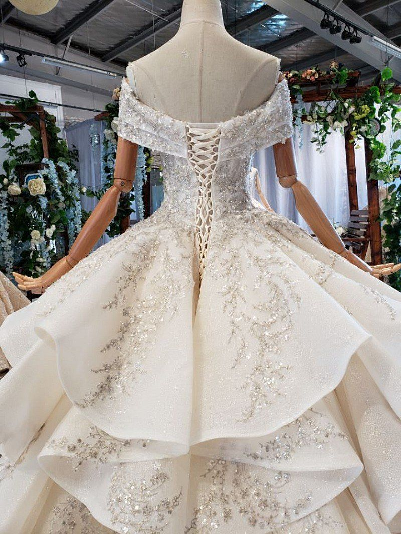 Pin By Stephanie Rojas Minz On Casamento In 2020 White Wedding Gowns Dresses Ball Dresses
