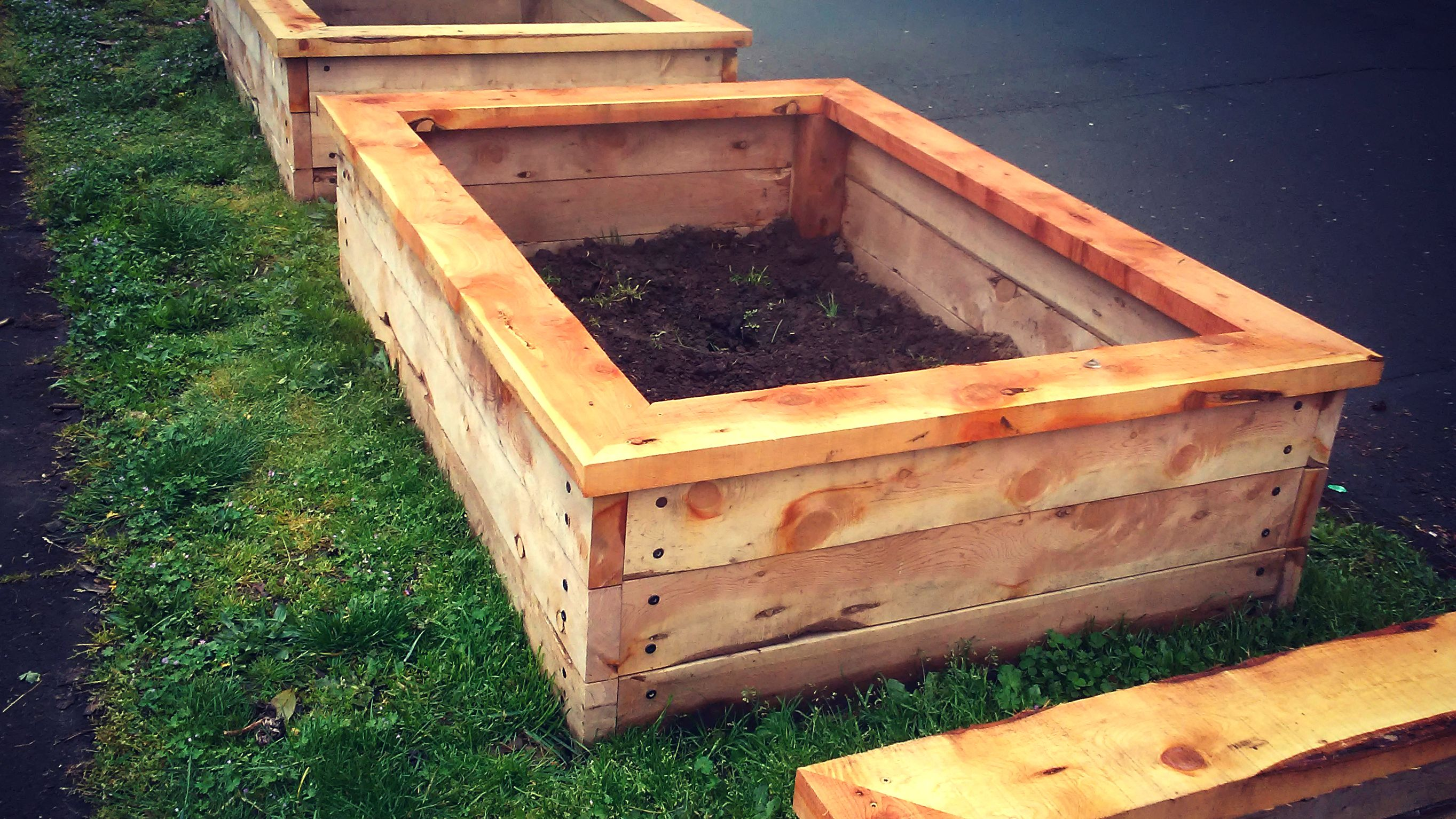 Raised Garden Bed Planter Boxes Built With Long Lasting