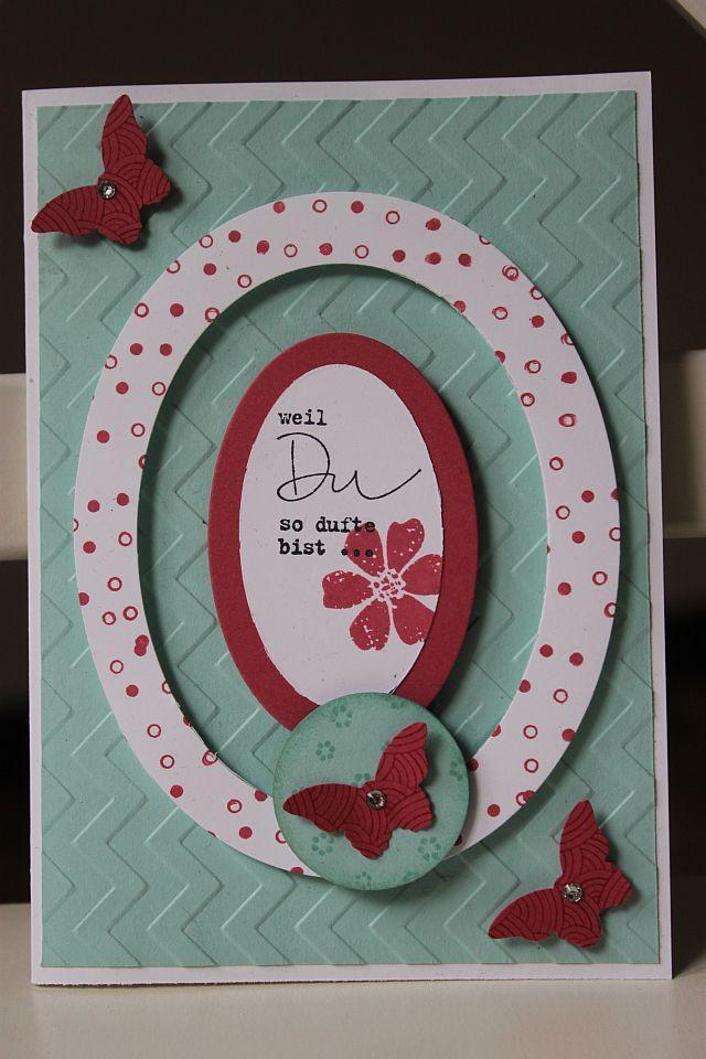 Ovalspinnercard. Beim drehen der Karte bewegt sich der Schmetterling zwischen den zwei Ovalen hin und her.