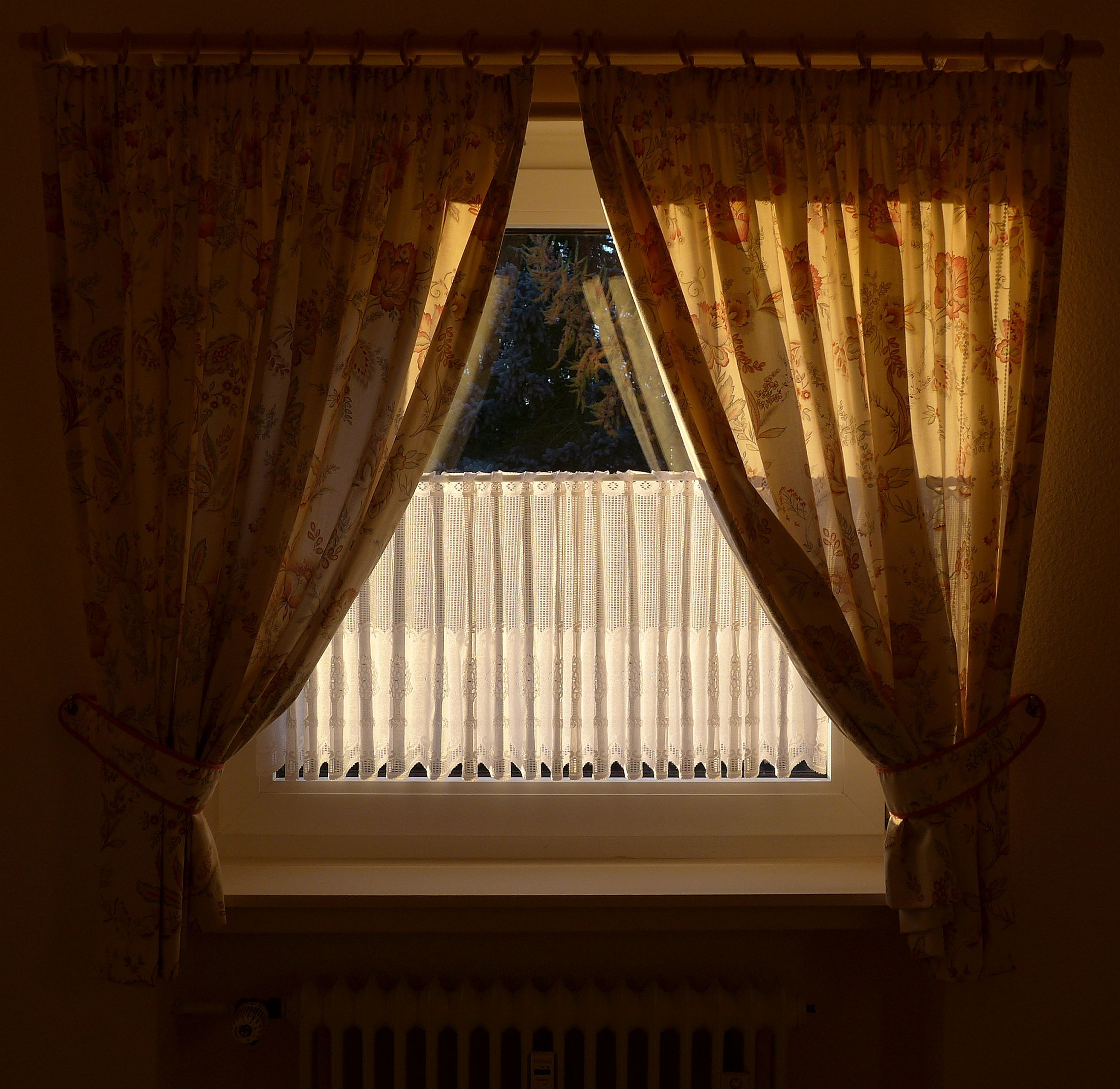 Big curtains keep your home warm