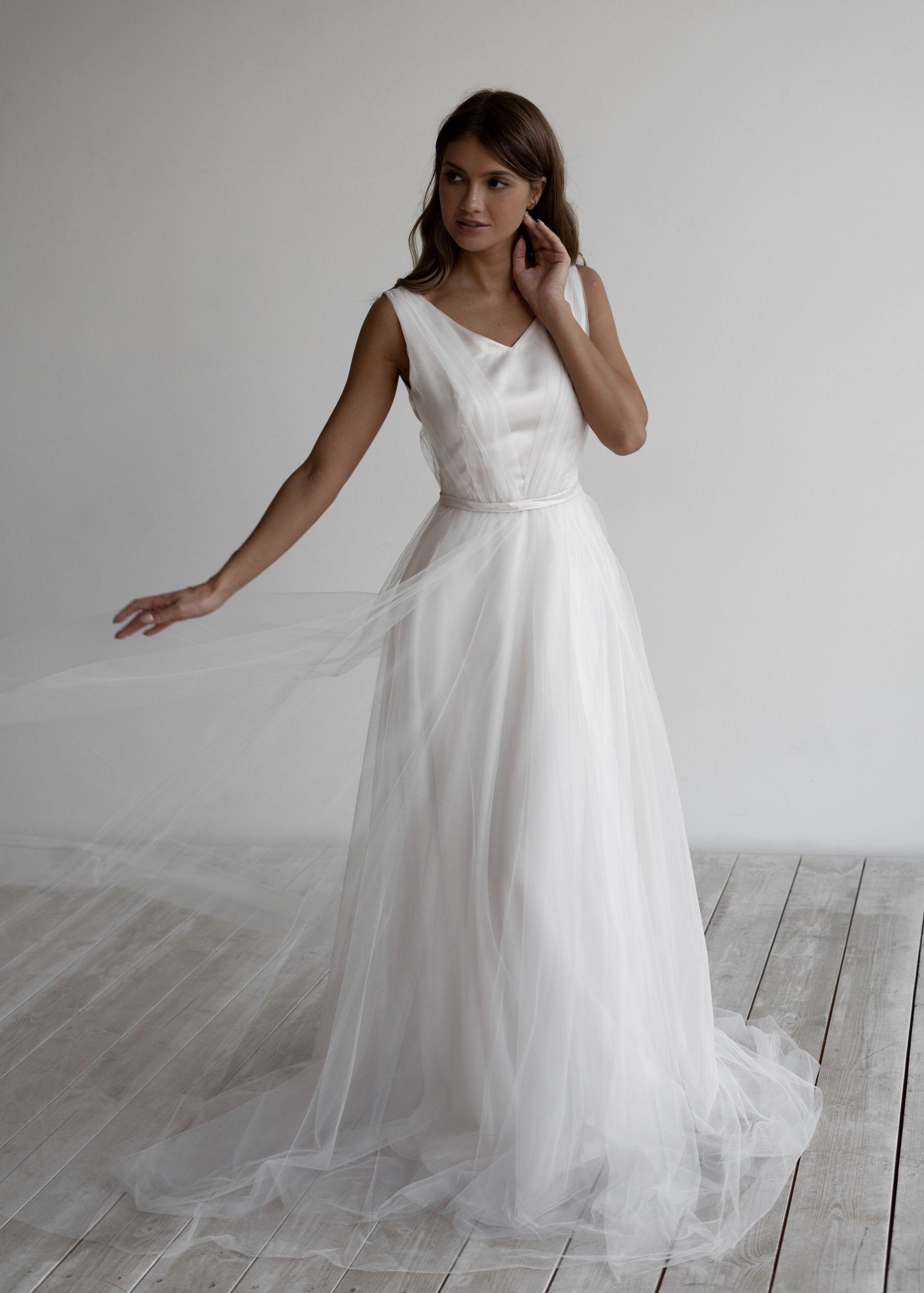 24++ Wedding dress skirt overlay info