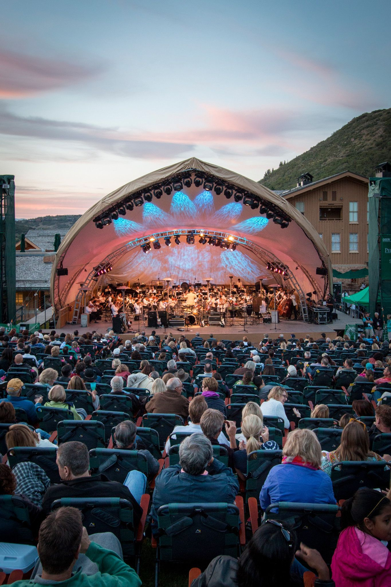 The Lowdown On Summer Concerts At Deer Valley Resort If Live Music And Summer Picnics Sound Like Your Idea Deer Valley Resort Park City Utah Summer Park City