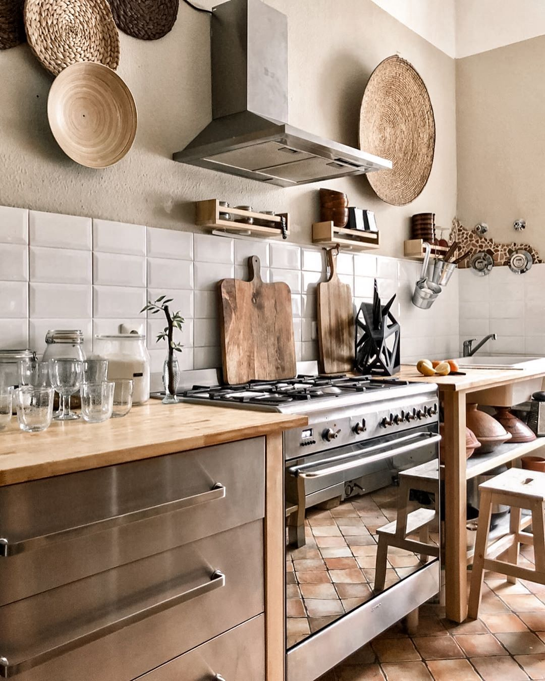 modern boho kitchens 27 chic eclectic style in 2020 boho kitchen modern boho eclectic style on boho chic home decor kitchen id=89137