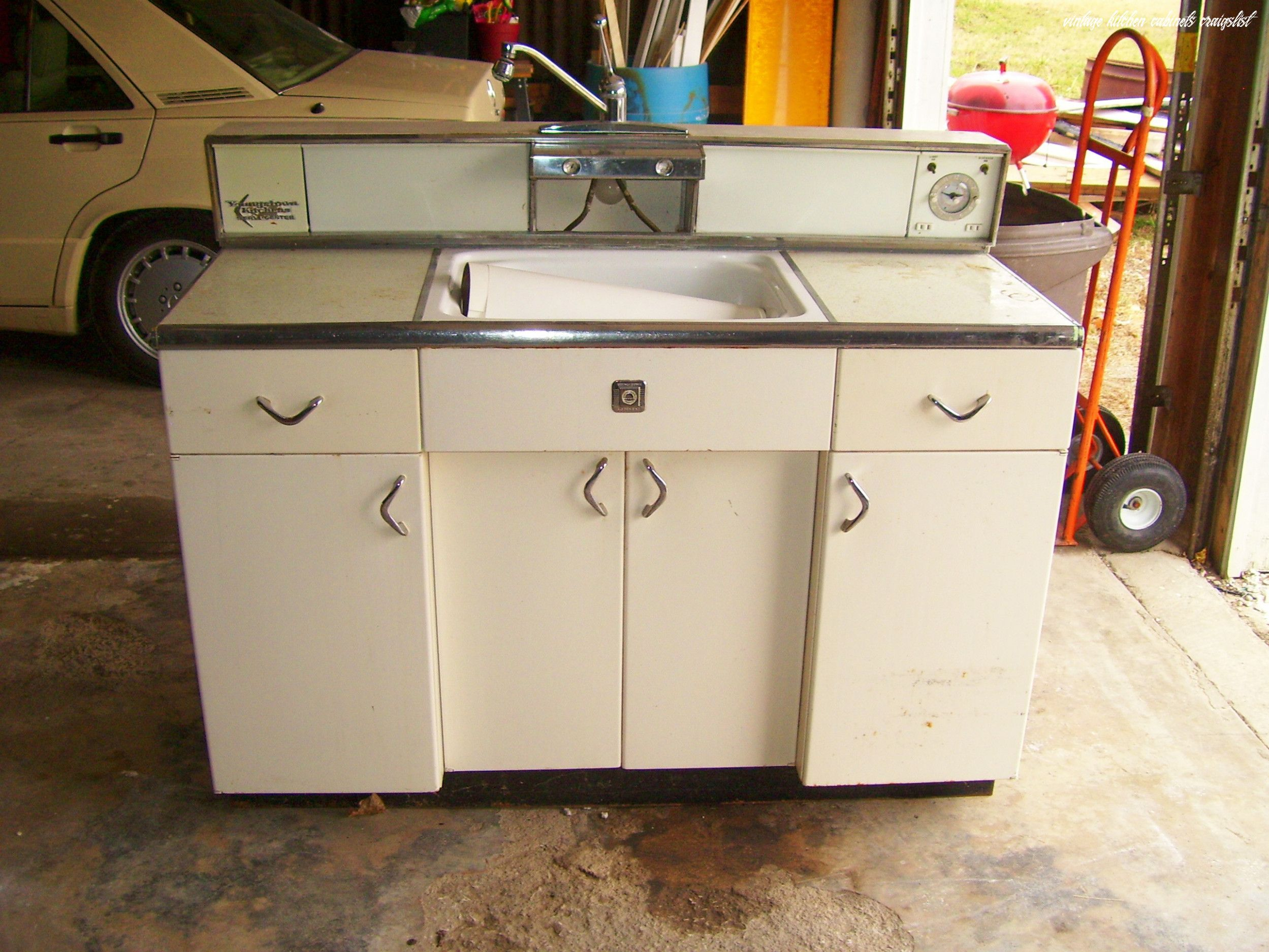 Attending Vintage Kitchen Cabinets Craigslist Can Be A Disaster If You Forget These 15 Rul In 2020 Kitchen Cabinets For Sale Used Kitchen Cabinets Old Kitchen Cabinets