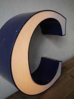 lampe veilleuse ancienne lettre d 39 enseigne lumineuse c lumos pinterest lettre a deco. Black Bedroom Furniture Sets. Home Design Ideas