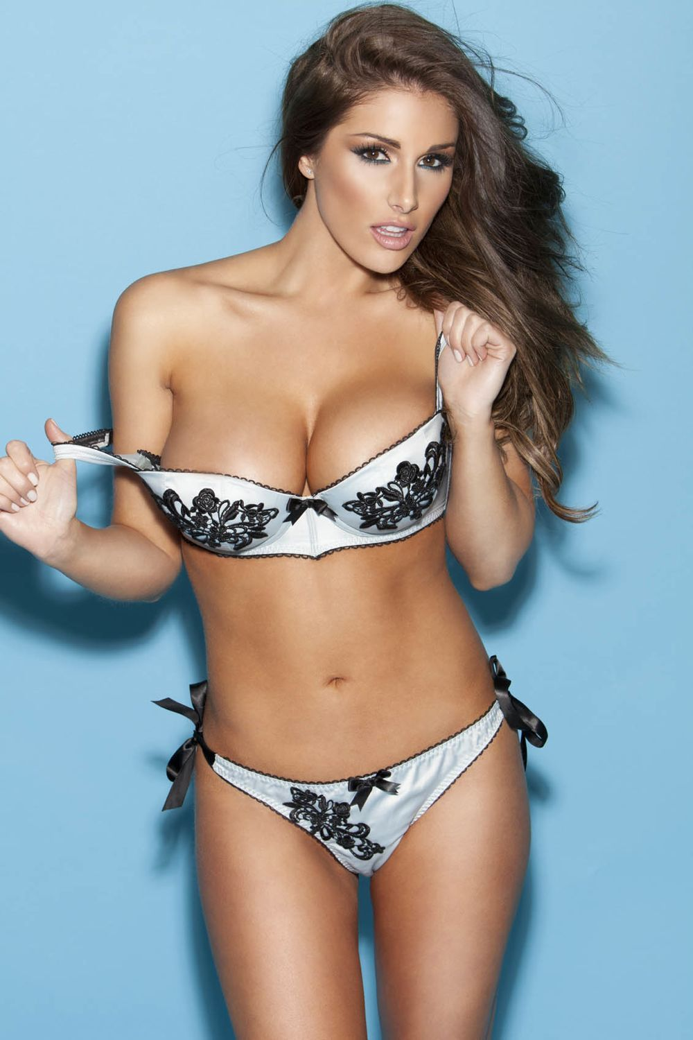 Hot Sexy Lucy Pinder Gallery