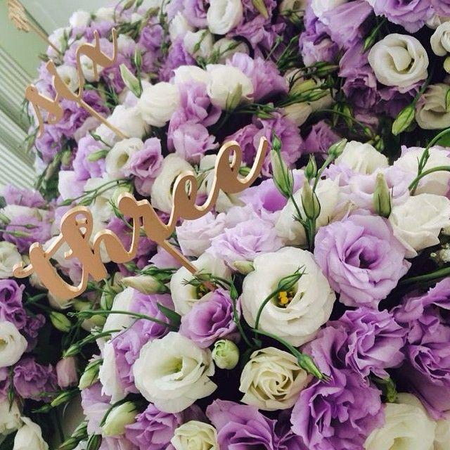 just loving flowers from today's wedding!  #weddingflowers #lamaltese #stellaandmoscha #greekislands #destinationwedding #santoriniweddings #bridetobe #greekislandweddings