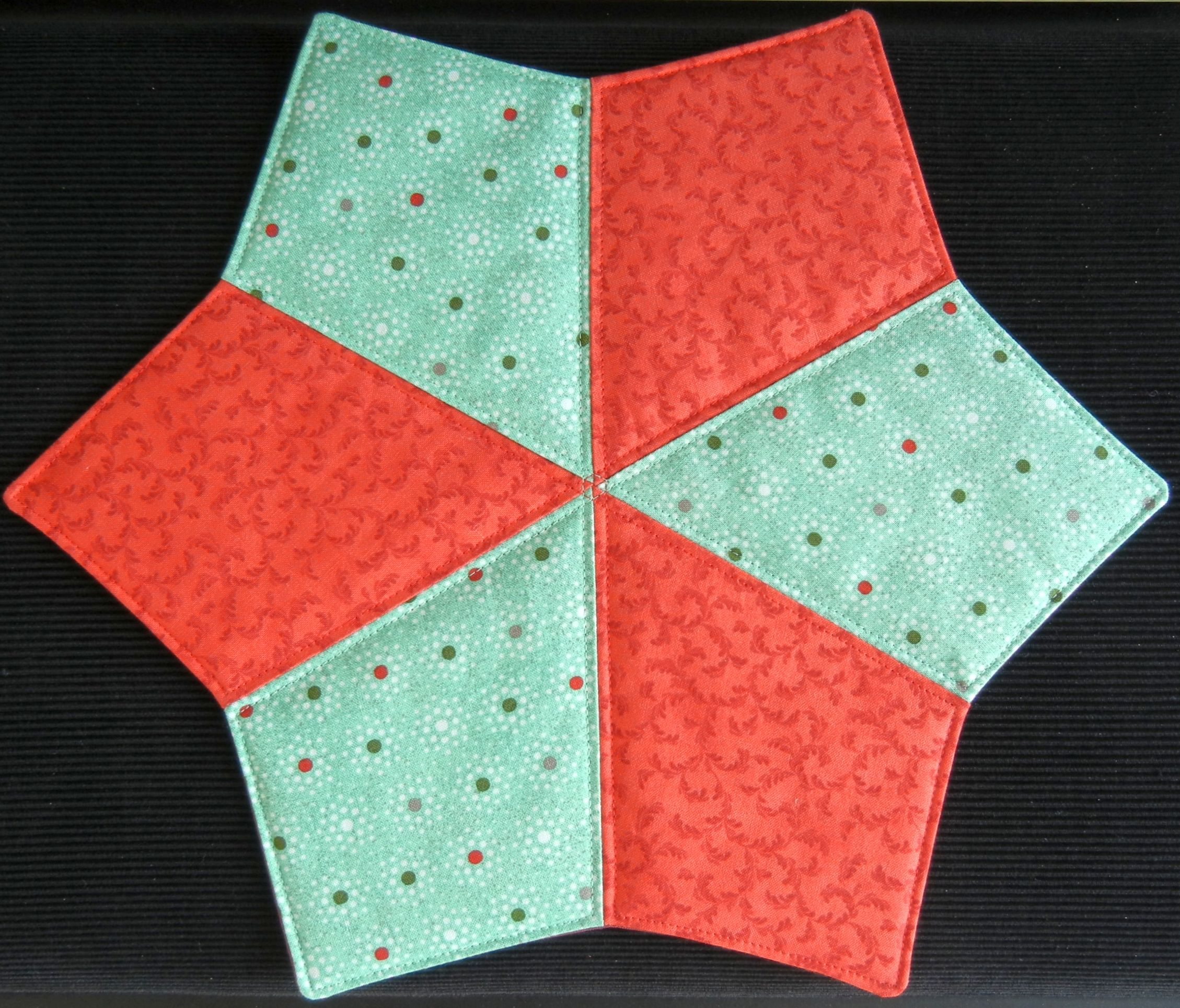 Pin By Alexes On Sewing Projects Quilts Diy Christmas