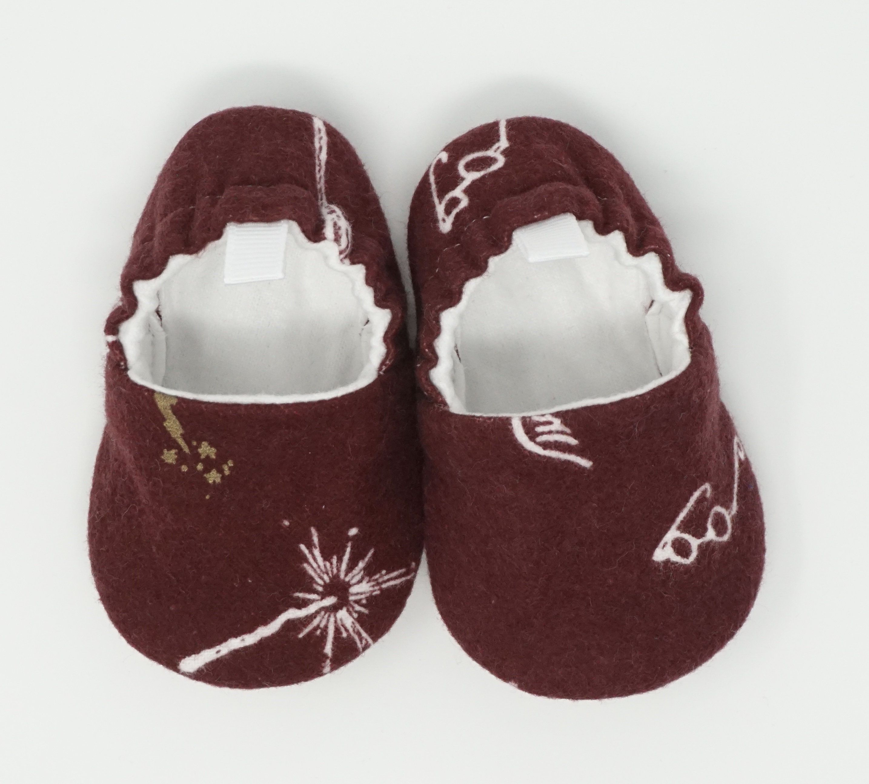 857f248bd Harry Potter Baby Shoes, Potter Baby Booties, Soft Sole Baby Shoes, Baby  Shower Gift, Crib Shoes, Baby Gift, Baby Moccs, Baby Moccasins by ...