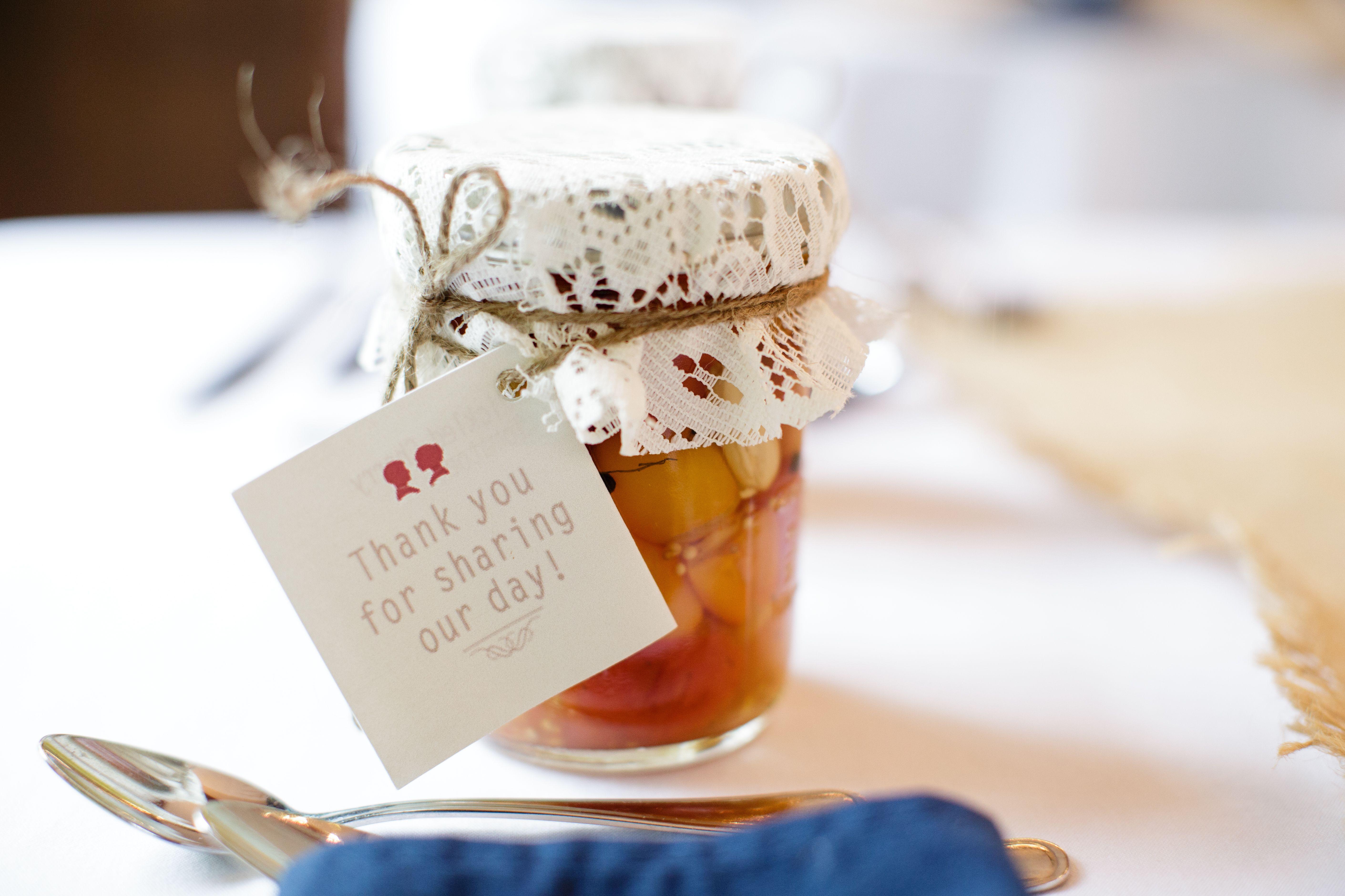 DIY Mason Jar Jam Wedding Favor | rustic decor | Pinterest | Jam ...