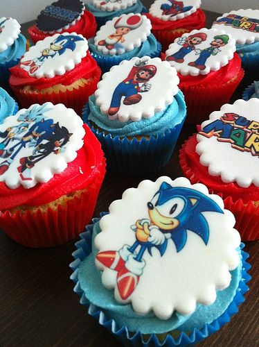 Sonic the Hedgehog Cupcakes - :: curious cupcakes ::