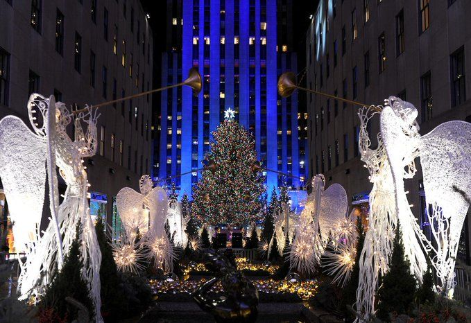 Rockefeller Center on | Holidays in new york, Holiday icon, Christmas spectacular