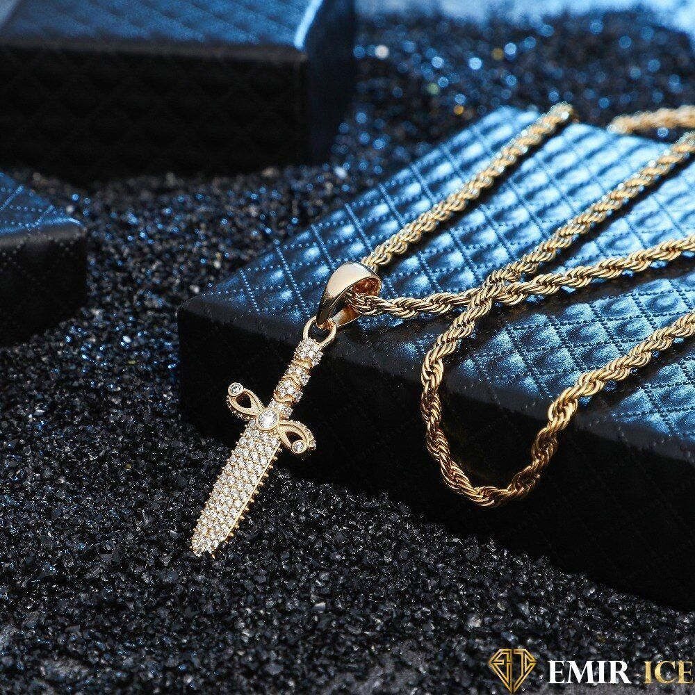 collier femme synonyme