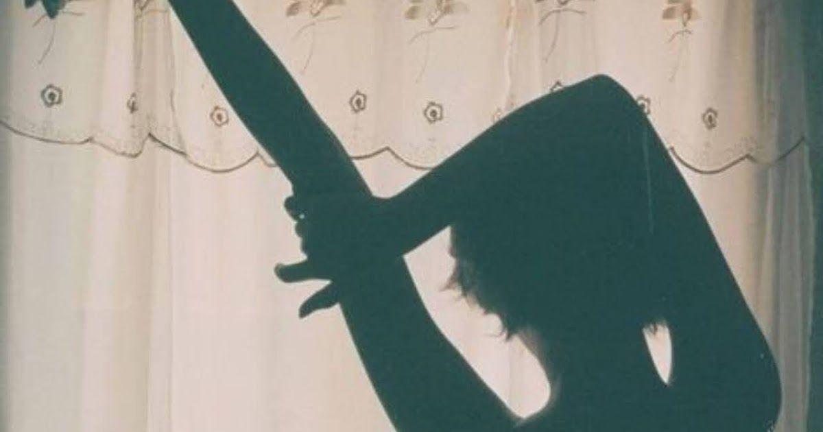 رواية ملك فقيد الحب كاملة للقراءة و تحميل Pdf بقلم نور زيزو لقراءة المزيد من الروايات المميزة لنور زيزو اضغط هنا رواية ملك فق Black Dress Little Black Dress