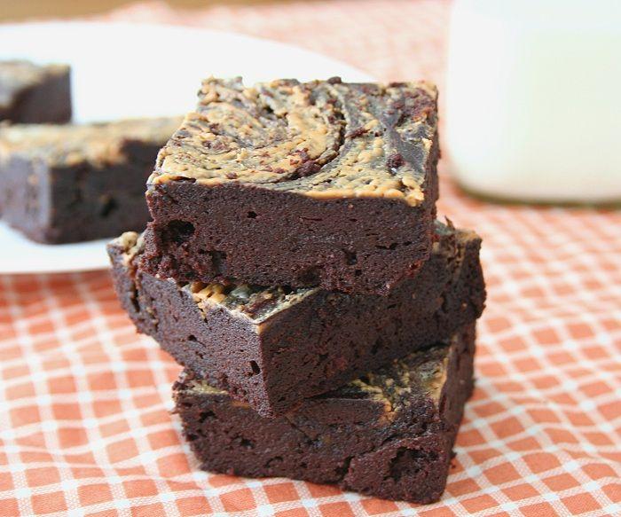Martina's Amazing Fudgy Keto Brownies! | Low Carb Maven