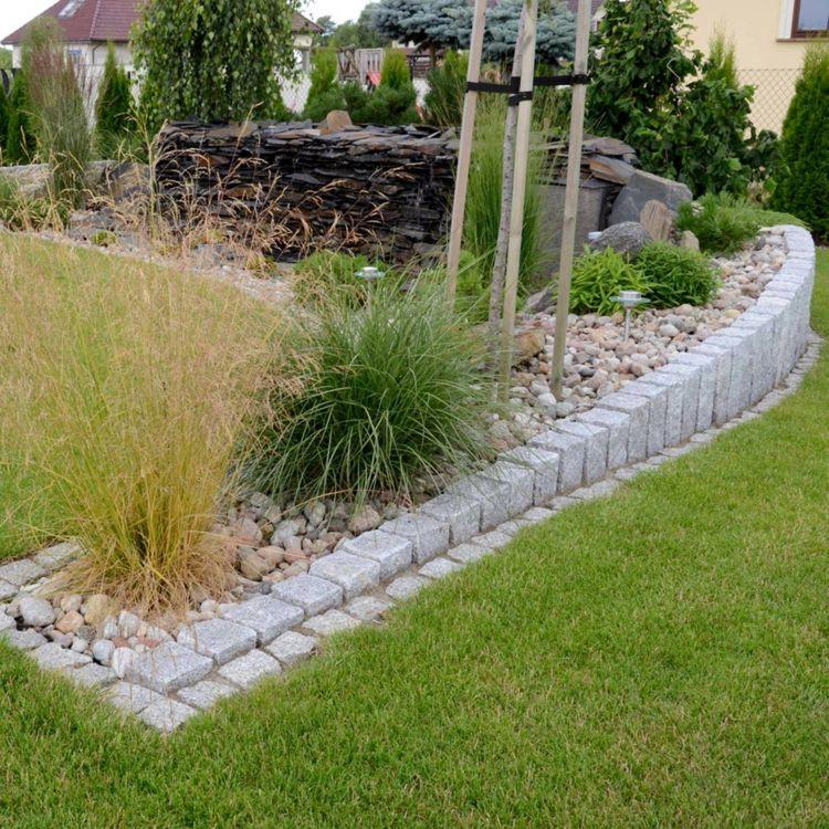 Granit palisaden gartengestaltung steine gruen gras for Gartengestaltung nordseite